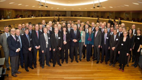 4  European Commissioners support Photonics